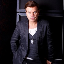 dj - Paul Oakenfold