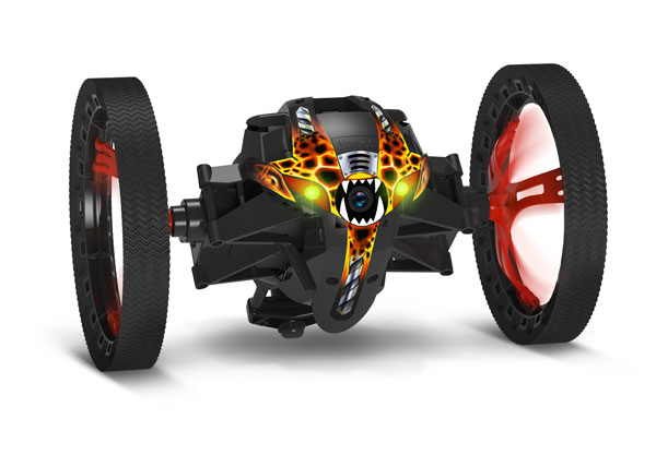 parrot-minidrones-jumpingsumo-r-3520410022975-packshotaction.jpg